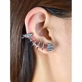 Cute Rhinestoned Fishbone Ear Cuff