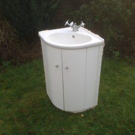 Corner sink and vanity unit