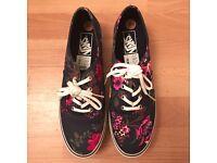VANs Woman's Ladies Shoes Brand New size 8