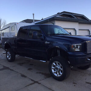 """2007 Ford F-350 Harley Davidson crew cab with 6"""" lift"""
