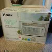 Window AC unit for sale (used for 1 week)