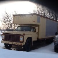 1976 FordF600 moving van
