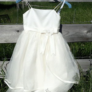 Flower Girl Dress Size 6 Worn Once