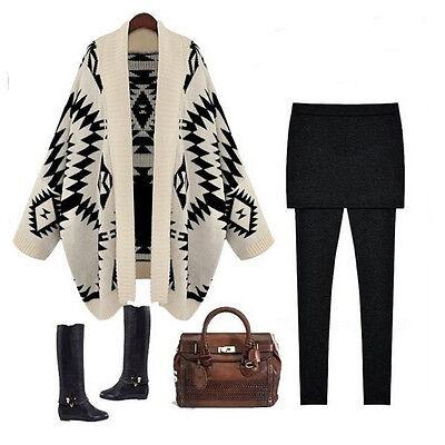 Cardigan poncho aperto sul fronte oversize motivo geometrico vintage nero bianco