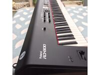 Roland RD 800 Stage Keyboard & Roland Bag