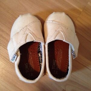 Baby Shoes - 6 pairs