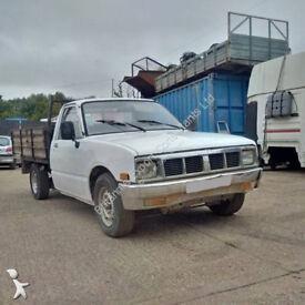 Left hand drive Isuzu KBD 27 2.3 diesel pick up. 5 speed manual gearbox.