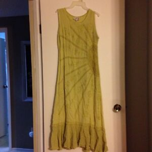 Long embroidered dress Kawartha Lakes Peterborough Area image 2