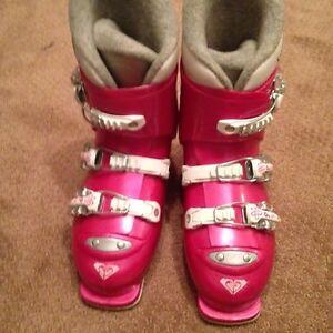 Girl's size 22.5 ski boots.  Kitchener / Waterloo Kitchener Area image 3