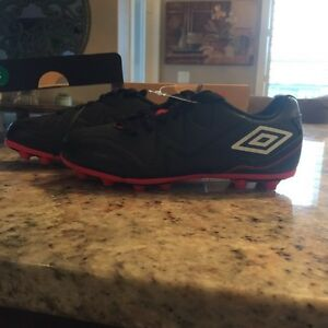 Brand new cleats (boys shoes)