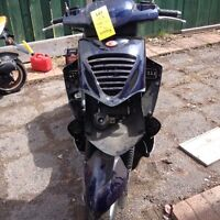 Scooter kymco 250   Pour pieces