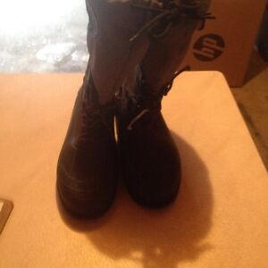 Man's weather spirits winter boots with liners size 12