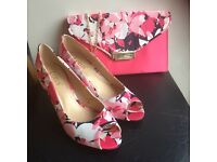 Lotus matching shoes and bag (size 5)