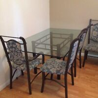 Glass dinning table 6 chairs