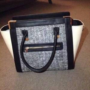 Brand New Black and White Handbag Selling for $50 Waterloo Inner Sydney Preview