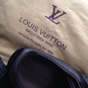 Louis Vuitton men's shoes 200$