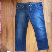 Jeans Hugo Boss size 40x32. Will go fast !