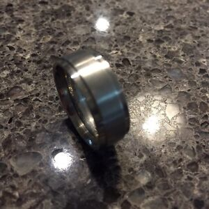 MENS SIZE 9 TUNGSTEN SILVER WEDDING BAND