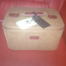 "lander & hawa metropolis 12"" Makeup/Cabin Bag + another lander & hawa case for sale in liverpool"