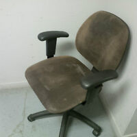 5 computer desk chairs ($100/set or $25 a piece) - negotiable