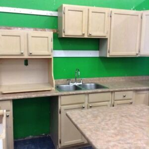 Complete kitchen with uppers and lowers