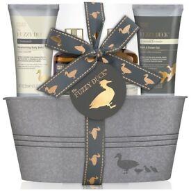 Baylis & Harding Fuzzy Duck Assorted 4 Piece Tin Gift Set BRAND NEW