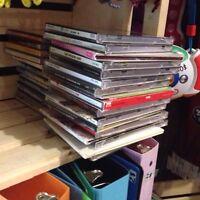 Lot de 32 CD 1$ chacun