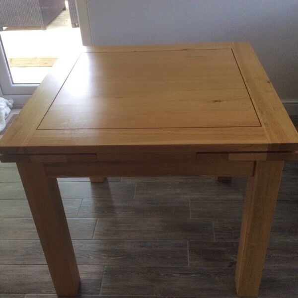 Solid Oak Extending dining table in Barrow upon Humber  : 86 from www.gumtree.com size 600 x 600 jpeg 34kB