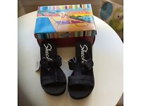 New size 4 uk Sketchers wedge sandals in black