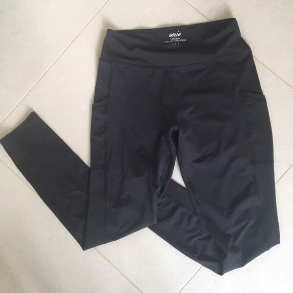 Size M Aerie Fitness Leggingsin NewportGumtree - These can be worn to the gym or to brunch ❤ The side pockets are SO PERFECT for holding your phone/music player during a gym session or daily walk. Stretchy, soft and flattering. Black color. Aerie brand makes the softest clothes. Bought from Aerie...