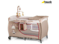 NEW IN BOX HAUCK DELUXE TRAVEL COT GIRAFFE WITH TWO LEVELS MATTRESS WITH MOBILE TOO FROM BIRTH - 2