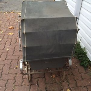 Antique baby carriage West Island Greater Montréal image 3