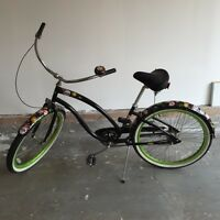 Electra Sugar skulls bicycle! Great condition!