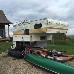 Western Wilderness 11 foot Truck Camper