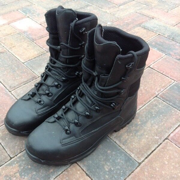 LOWA Mountain Lite Black Boots Size 8