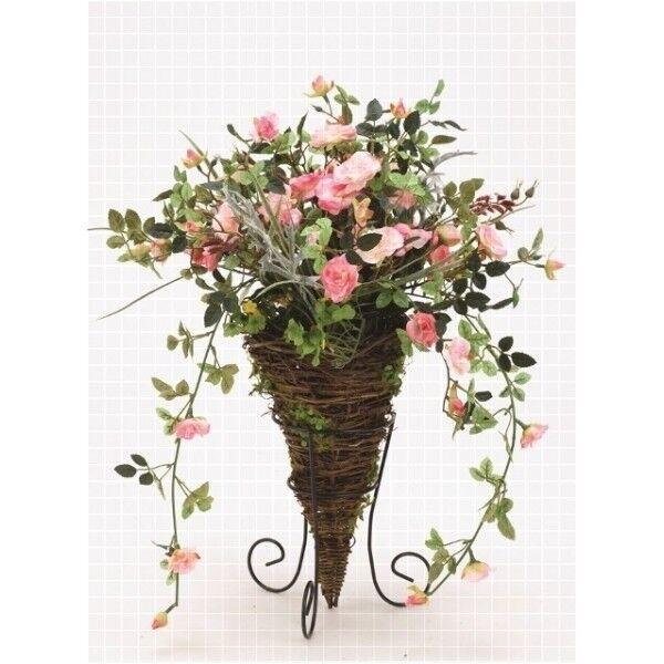 Rosen-Gesteck in Korbvase u. Metallständer, Kunstblumen, Blumengesteck
