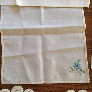 Huge Assortment Vintage Linens London Ontario image 5
