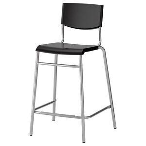 2 tabourets noirs Stig (Ikea)