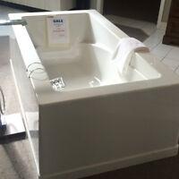 """Oceania Soliste 66"""" Freestanding Soaker Tub"""