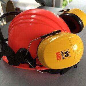 Casque de sécurité/ safety helmet 30$