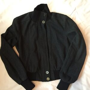 Women's/Girls Outer Wear All Excellent Condition size Medium London Ontario image 2