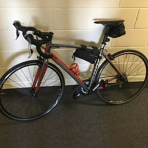 DaVinci Road Bike in mint condition  London Ontario image 1