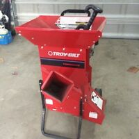 Troy Bilt Chipper / Shredder