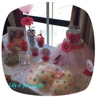 Candy bar/ sweet table/ favours/ gift basket/ souvenir/ paniers