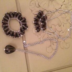 Stunning Ted Baker pod pendant, necklace and bracelet set