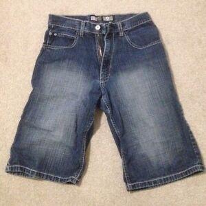 Shorts like new London Ontario image 5
