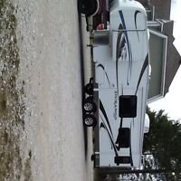 fantastic 5th wheel loaded with extras