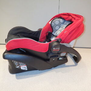 Britax B-SAFE Red rear facing bucket seat with base