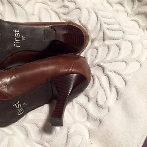 Shoes Brown  leather size 7 Regina Regina Area image 2