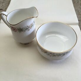 Paragon milk jug and sugar bowl